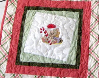quilt with christmas teddy bear