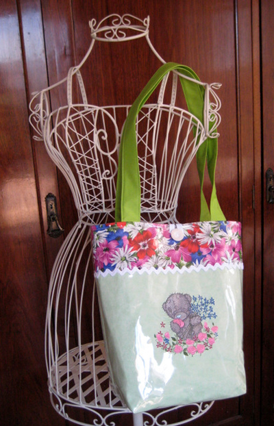tote handbag with machine embroidery design